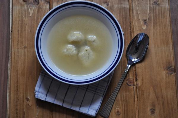 Comment préparer des gnocchis au bouillon ?