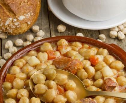 Quels sont les ingrédients pour préprer un cocido espagnol ?