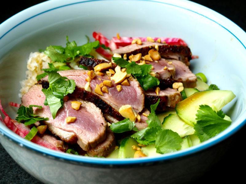 Comment réussir sa recette salade thai: tous nos conseils de cuisine.